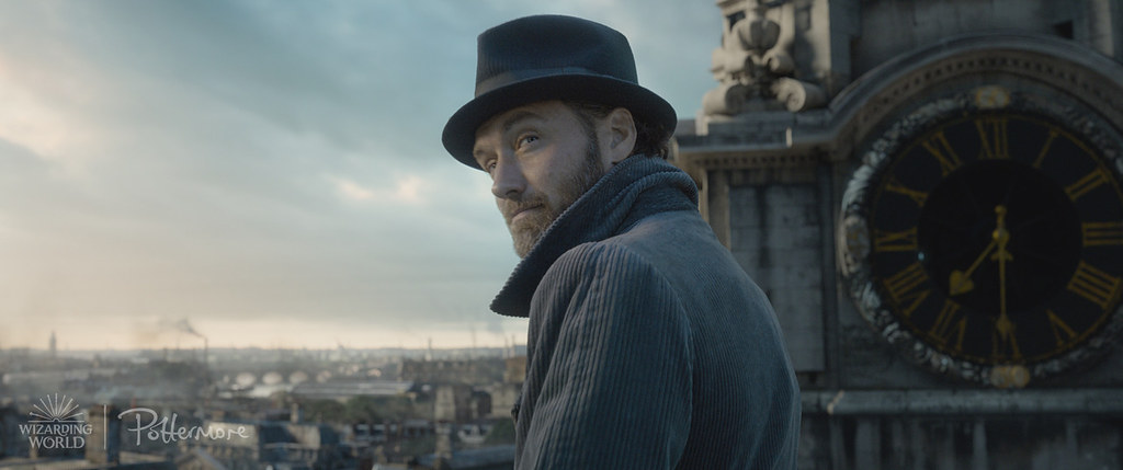 wizardingworlddaily: Young Dumbledore on top of St. Paul's Cathedral in London Watch the trailer for Fantastic Beasts: The Crimes of Grindelwald here