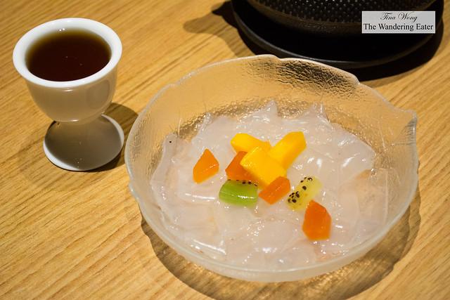 Kuzu kiri - Kuzu jelly (Japanese root starch) served with brown sugar syrup