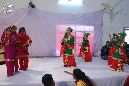 Bhangra by Bal Sangat Sant Nirankari Colony