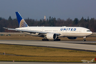 United Airlines - B772 - N77012 (2) | by amluhfivegolf