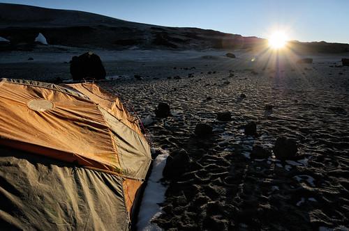 nikon d300 tanzania tanzanie africa afrique eastafrica afriquedelest kilimanjaro kilimandjaro kilimanjaronationalpark parcnationaldukilimandjaro cratercamp sun soleil sunrise leverdesoleil tent bivouac camp campement pascalboegli outdoor getty