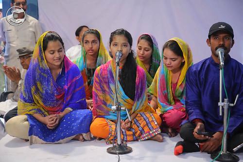 Hardev Bani by devotees from Sant Nirankari Colony