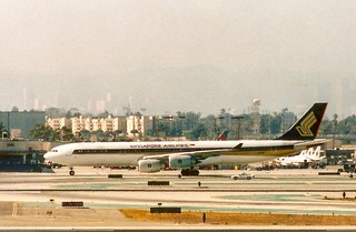 Singapore Airlines Airbus A-340 -500 LAX