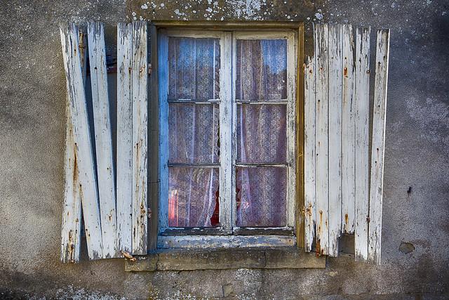 Window and shutters in deacy