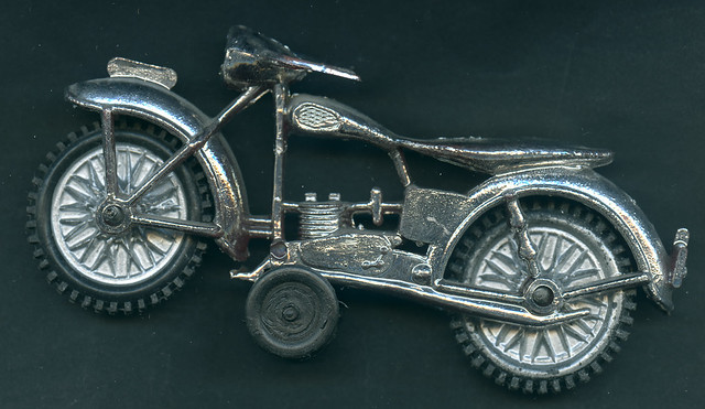 Archiv 12 All3 Spielzeug, Motorrad aus Kunststoff, 1950er