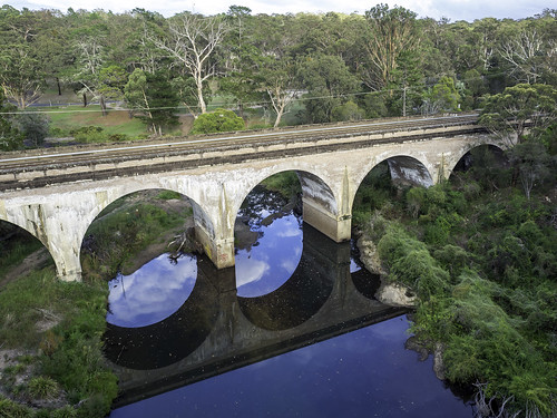 bargorailwayviaduct bridge built1919 landscape railbridge reflection tahmoornsw railroad railway mainsouthline bargoriver wollondillyshire macarthurregion architecture heritagelisted nsw newsouthwales australia arches