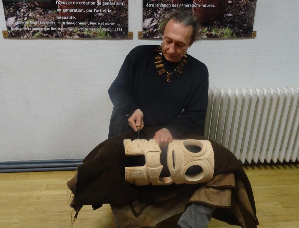 Sculpture De Tiki En Bois Avec Gaetan Pichaud Mjc Du