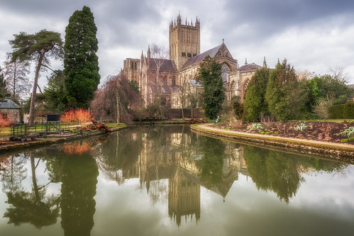 wells cathedral cathedrals garden gardens pool reflection reflections landscape landscapes landscapephotography architecture landmark landmarks somerset england greatbritain canon eos100d efs1585mmisusm eos