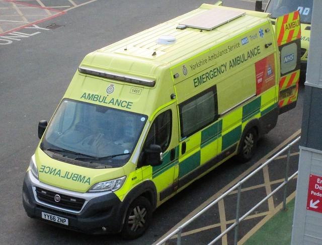 Yorkshire Ambulance Service (YY66 ZNP)