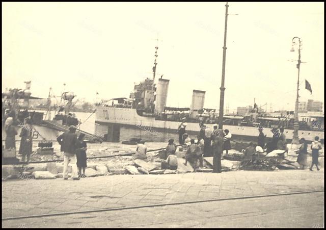 Πειραιάς, Γερμανική Κατοχή, 1941-1944. Ιταλικά πλοία στο λιμάνι.