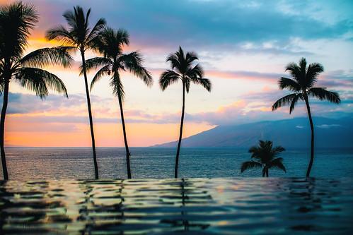america fourseasons fourseasonsmaui fourseasonsresort hawaii maui usa unitedstates unitedstatesofamerica wailea infinitypool pool serenitypool sunset swimmingpool kihei us fav10 fav25 fav50 fav100