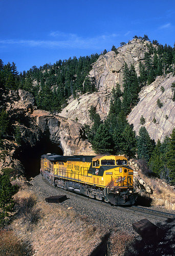 chicagonorthwestern cnw ge ac4400cw 8802 moffat unionpacific up formerriogrande tunnel cliffs rock curve upmoffattunnelsub tunnel29 cliff pinecliffe colorado coaltrain locomotive train railroad co