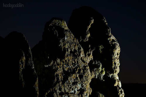 rollright stones whispering knights oxfordshire cotswolds monolith dolmen burial place neolithic hoobgoobliin robcharles fujifilmxe2 fujifilm night lighting longexposure handheldlight xf1855mm littlerollright
