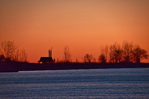 sunrise leutylifeguardstation kewbalmybeach thebeach toronto ontario canada eastyork