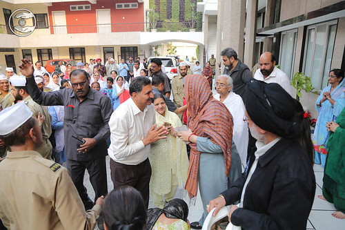 Devotees seeking blessings at Sant Nirankari Colony before departure to Yamuna Nagar