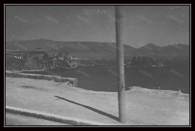 Πειραιάς, Γερμανική Κατοχή, 1941 - 1944. Παραλία Καστέλλας.