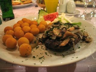 Champignon Steak and Croquettes
