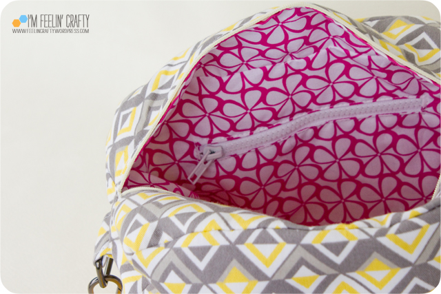 RainyDayBag-Zipper-ImFeelinCrafty