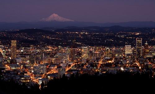 Portland at Dusk   by Alejandro Rdguez