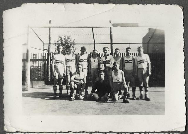 Archiv Thür035 Fußballmannschaft, HJ Gruppe, 1930er