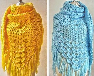 😘 😍 How beautiful this crochet simple and delicate shawl I loved this pattern model that most beautiful colors