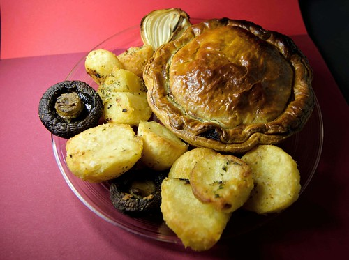 M&S Best Ever Steak Pie | Handcrafted with slow cooked ...
