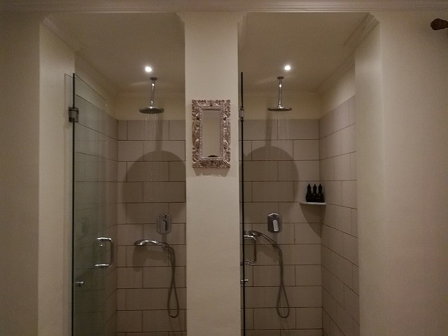 <p>シャワーは2か所</p>