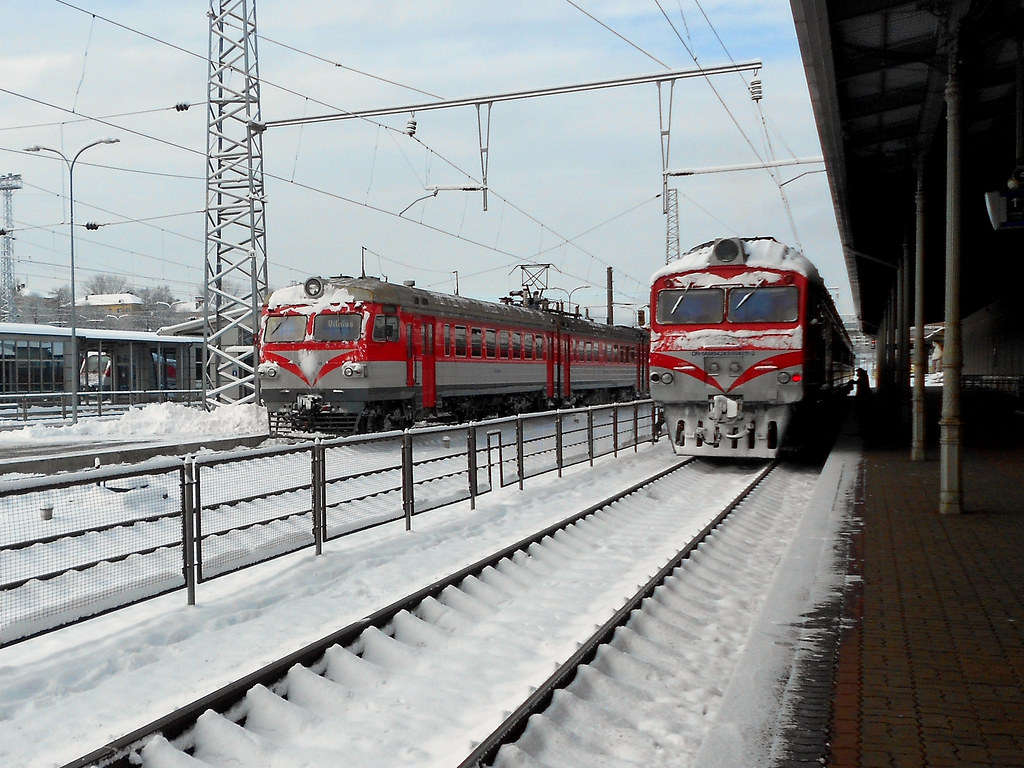ЭР9М-381 & ДР1А-451
