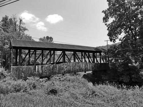 blackwhite bw cuppetts covered bridge bedford county pa pennsylvania transportation structures historical scenic landscape newparis georgeneat patriotportraits