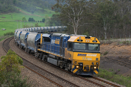 tt106 ttclass emd diesel gt46ace pn pacificnational quarrytrain stonetrain freighttrain peppertreequarry shielshill 1927