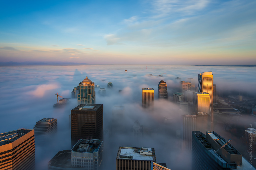 Seattle Foggy Sunrise Sky View Observatory | Sunrise fog in