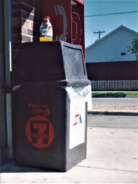Former 7-Eleven, 1991