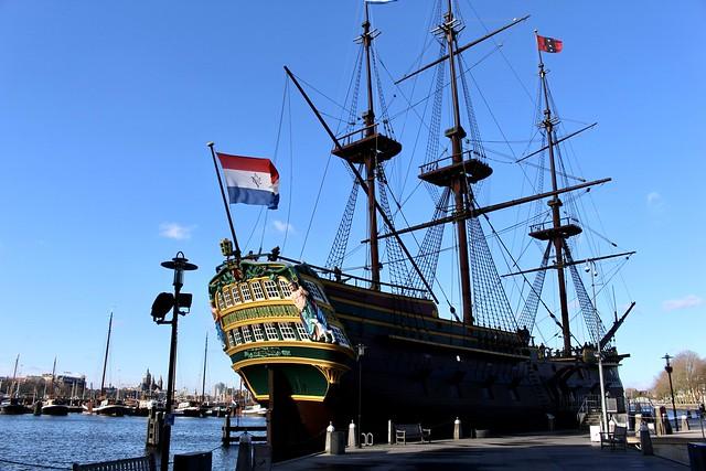 Réplica de buque de 1749 en Museo Marítimo Nacional de Amsterdam