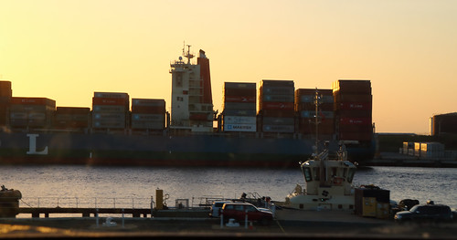 tug containership fremantleharbour fremantle westernaustralia wa water sunset tilt tilted