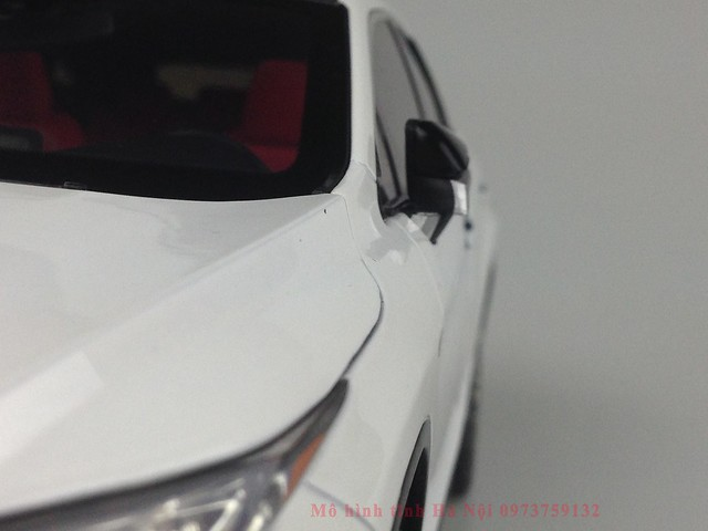 1 18 mo hinh tinh Paudi Dealer Lexus RX200T qua tang sang trong y nghia dan ong ha noi viet nam diecast 118 (7)