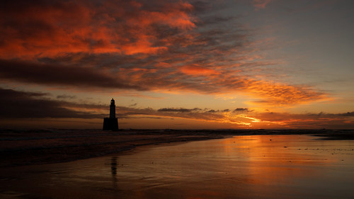 rattrayhead lighthouse aberdeenshire scotland sunrise sunset silhouette red sky water landscape ocean sea sand refection canon canon5d 5d eos