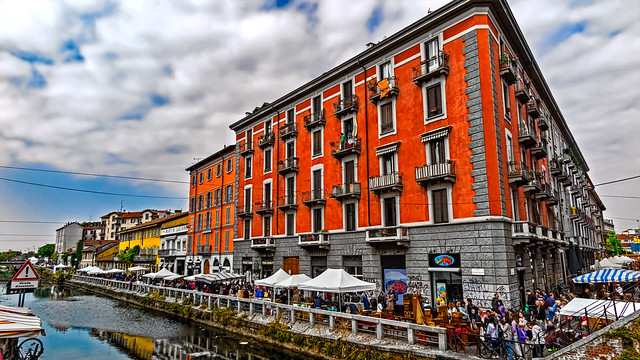 Antiques market of the Naviglio Grande in Milan (part two)