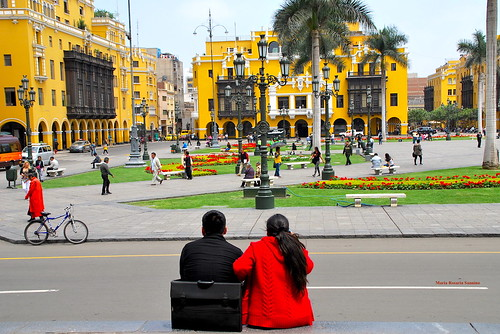 Sitting and watching the beauty of Plaza Mayor (Lima, Perù) | by Maria Rosaria Sannino/images and words