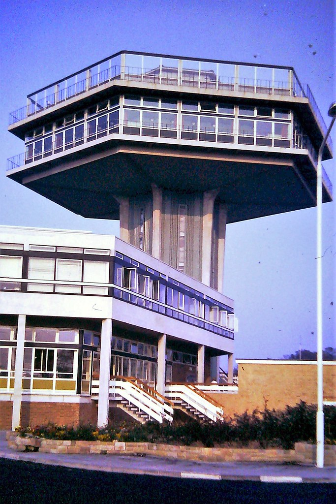 Forton Services, northbound on the M6 Motorway === when it first opened in November 1965 == built in 1964. Architect was T P Bennett and Sons and originally operated as a restaurant by the Rank Organisation. Closed to the public in 1989 (fire regulations)