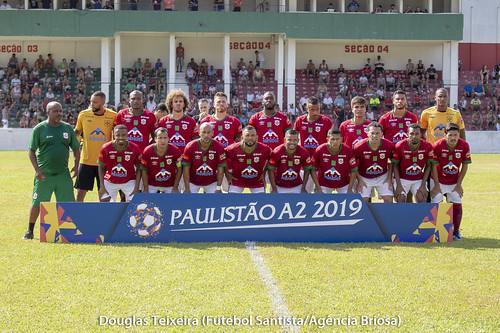 Elenco da Portuguesa Santista posa para foto em partida diante do Nacional, válida pelo Paulistão A2 de 2019, disputada no dia 20 de janeiro   by Futebol Santista