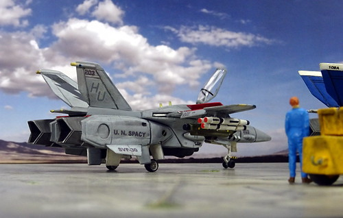 "Macross +++ 1:100 Stonewell/Bellcom VF-1A ""Valkyrie""; aircraft ""203"" of the U.N. Spacy SVF-30 ""Lightnings""; Huntingdon AB (United Kingdom), 2008 (Whif/Arii kit) 
