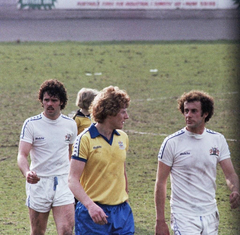 14-04-1979 Keith Hanvey and Bob Mountford exchange views