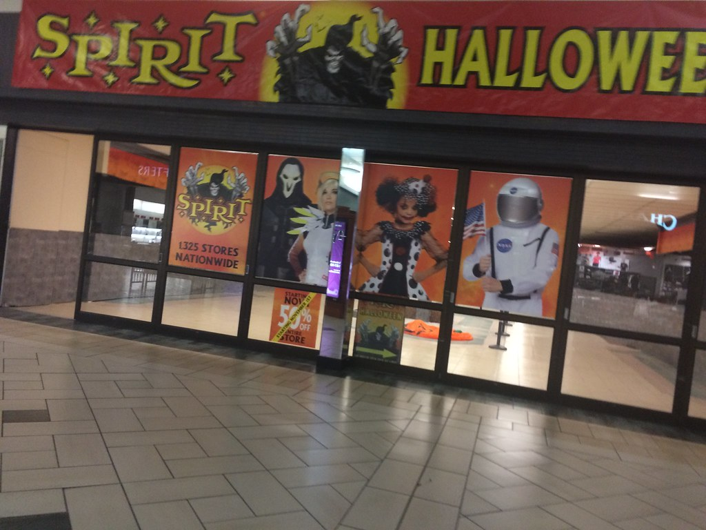 Spirit Halloween Former Dillardu0027s Men Store Ft Smith, Ar ...