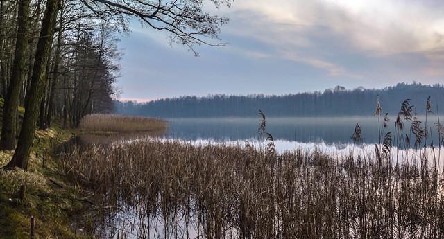 December dusk over the lake