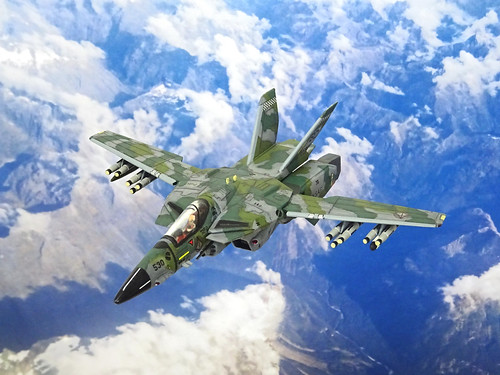 "Macross +++ 1:100 Stonewell/Bellcom VF-1J ""Valkyrie""; aircraft ""BD 530"" of the U.N.S.A.F. 643rd Tactical Fighter Squadron; Barksdale AB, 2013 (Whif/Arii kit) 