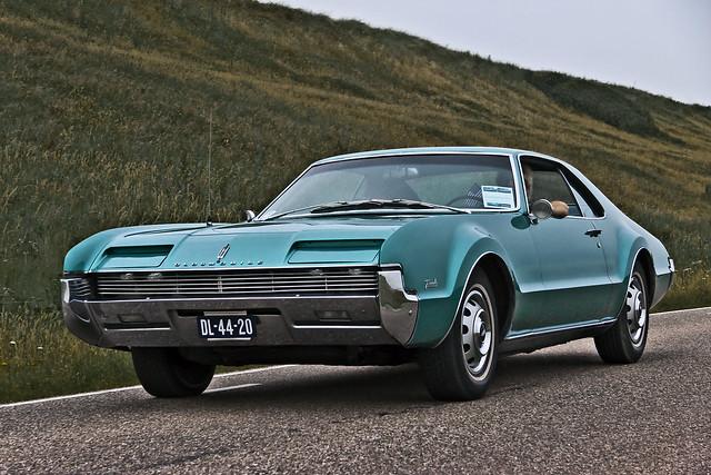 Oldsmobile Toronado 1966 (7230)