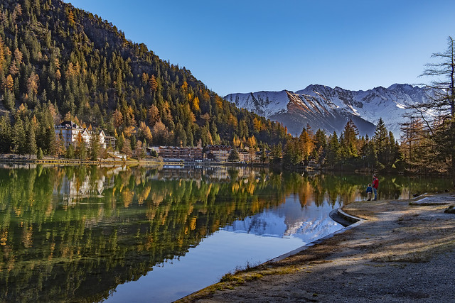 Champex Lac et Le Grand Combin . Canton of Valais , Switzerland. .Izakigur 14.11.18, 11:10:18.