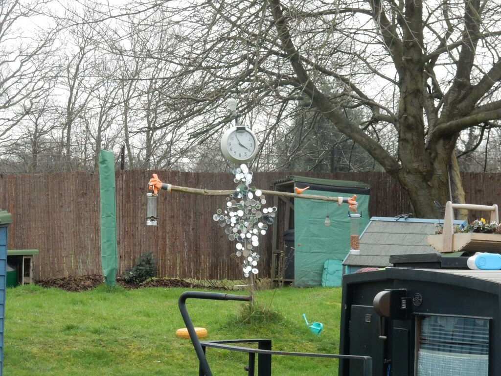 Clock man bird feeder thing. Greenford to Osterley