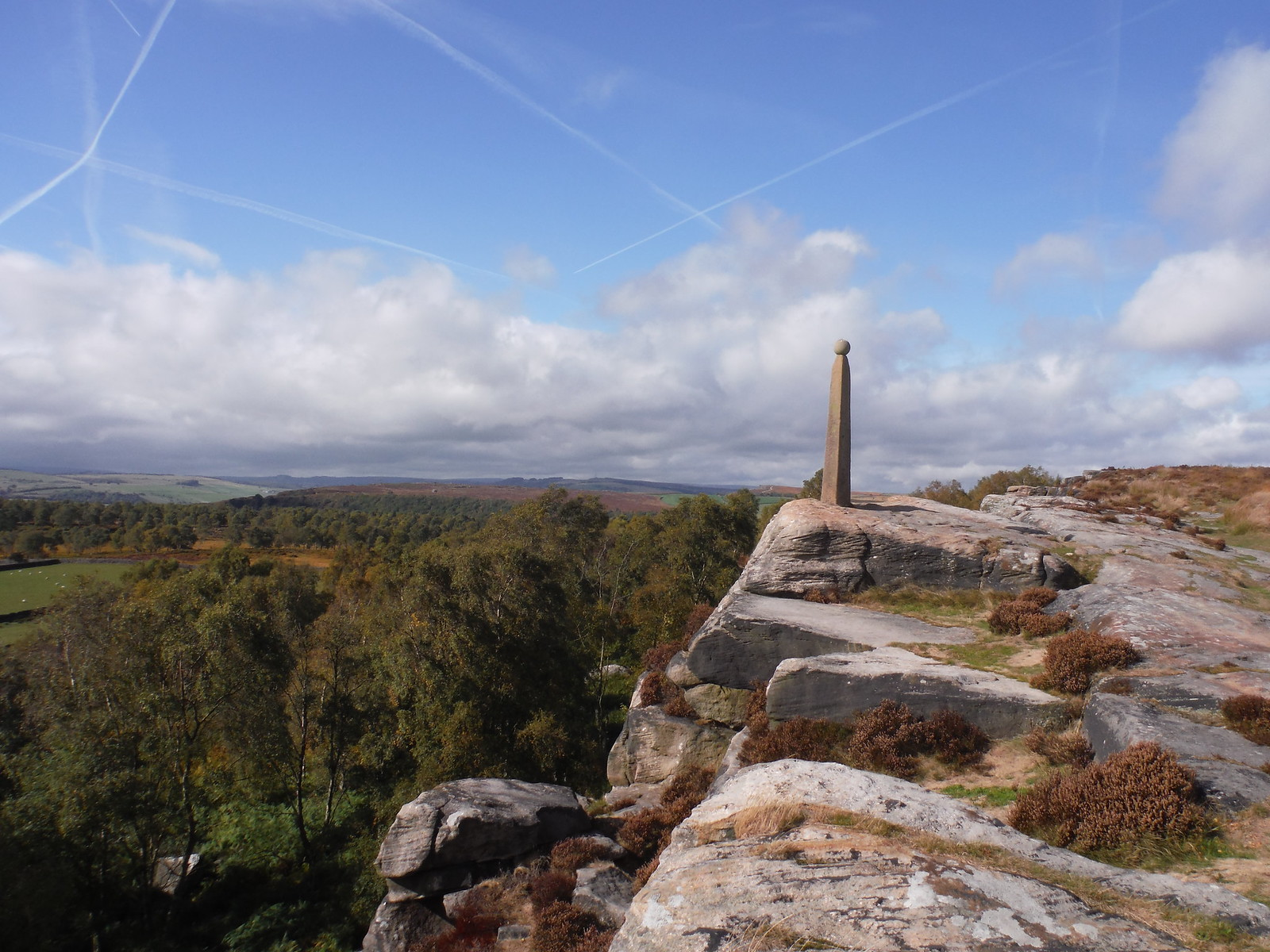 View North along Nelson's Monument, Birchen Edge SWC Walk 322 - Grindleford Circular (via Chatsworth House)
