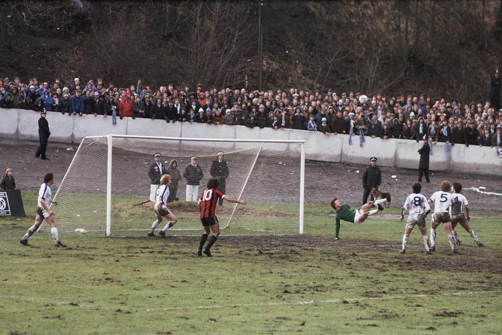 05-01-1980 Halifax Town 1-0 Manchester City (FAC3) John Kilner saves acrobatically
